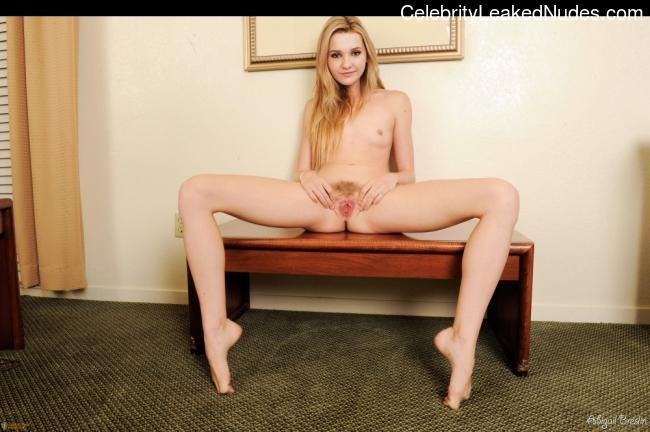 Abigail Breslin Free nude Celebrity sexy 4