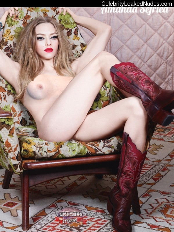 Amanda Seyfried nude celebrity