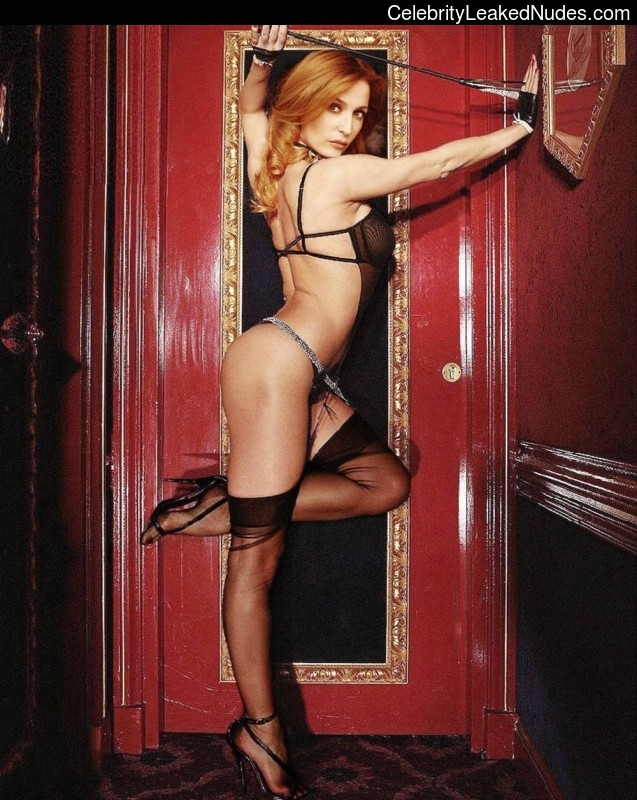 Gillian Anderson celebrity naked pics