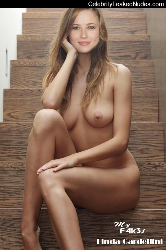 Linda Cardellini celebrities nude