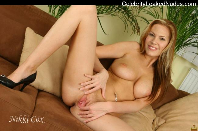 Nikki Cox nude celebrity pics