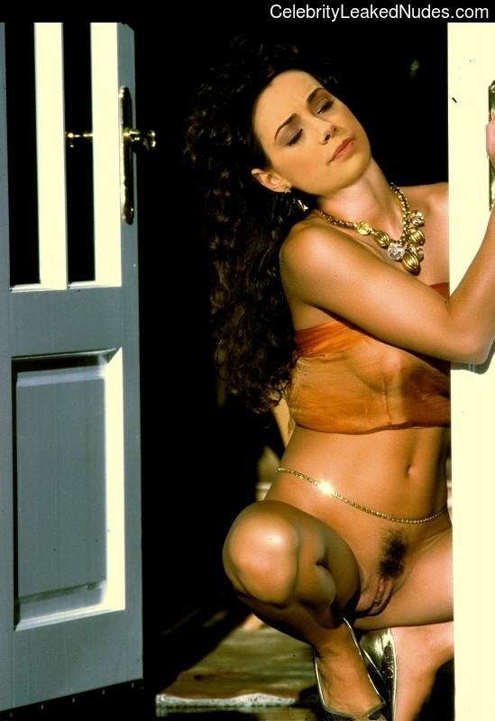 Ozgu Namal Celebrities Naked sexy 2
