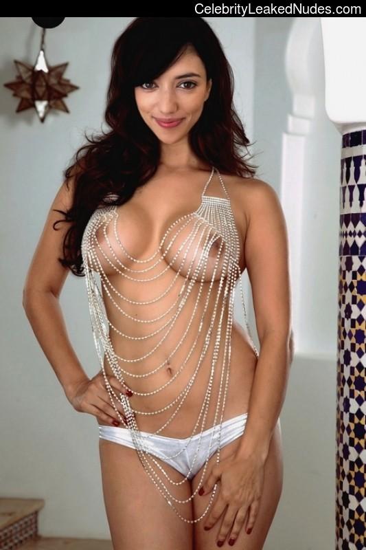 Vanessa Dunn  nackt